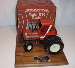 Hesston 1380 NIB.JPG